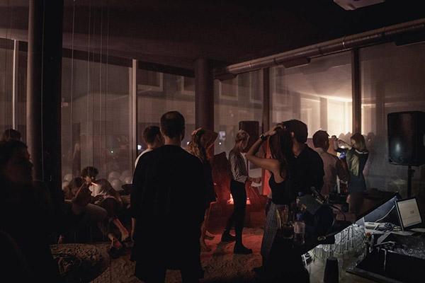 Секс вечеринки в ночные клубы москвы ночной клуб толстые